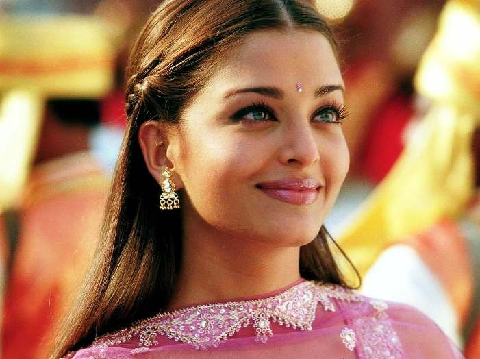 Aishwarya Rai sung 'Teri Yaad Humsafar' song shyly