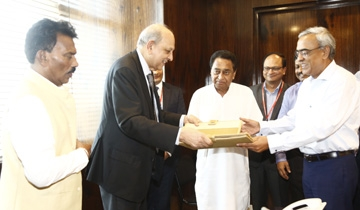 CM Kamal Nath for robust monitoring mechanism for quality health services