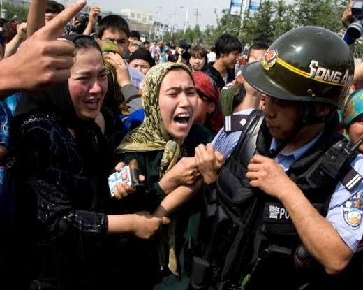 चीन में अल्पसंख्यक मुस्लिमों पर हो रही 'बरबरता'
