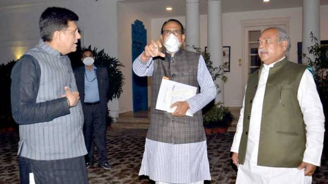 CM Chouhan's calls on Union Railway Minister Piyush Goyal and Agriculture Minister Narendra Singh Tomar