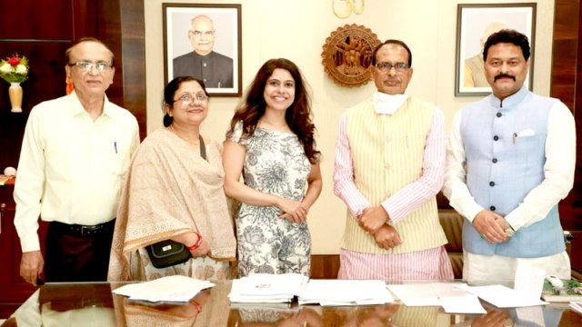 Women empowerment should also be the theme of films: CM Chouhan