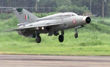 Aircraft crashes in Gwalior, Pilot loses life