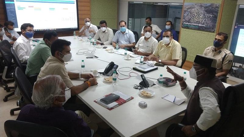 Medical Education Minister Mr. Sarang reviews health facilities