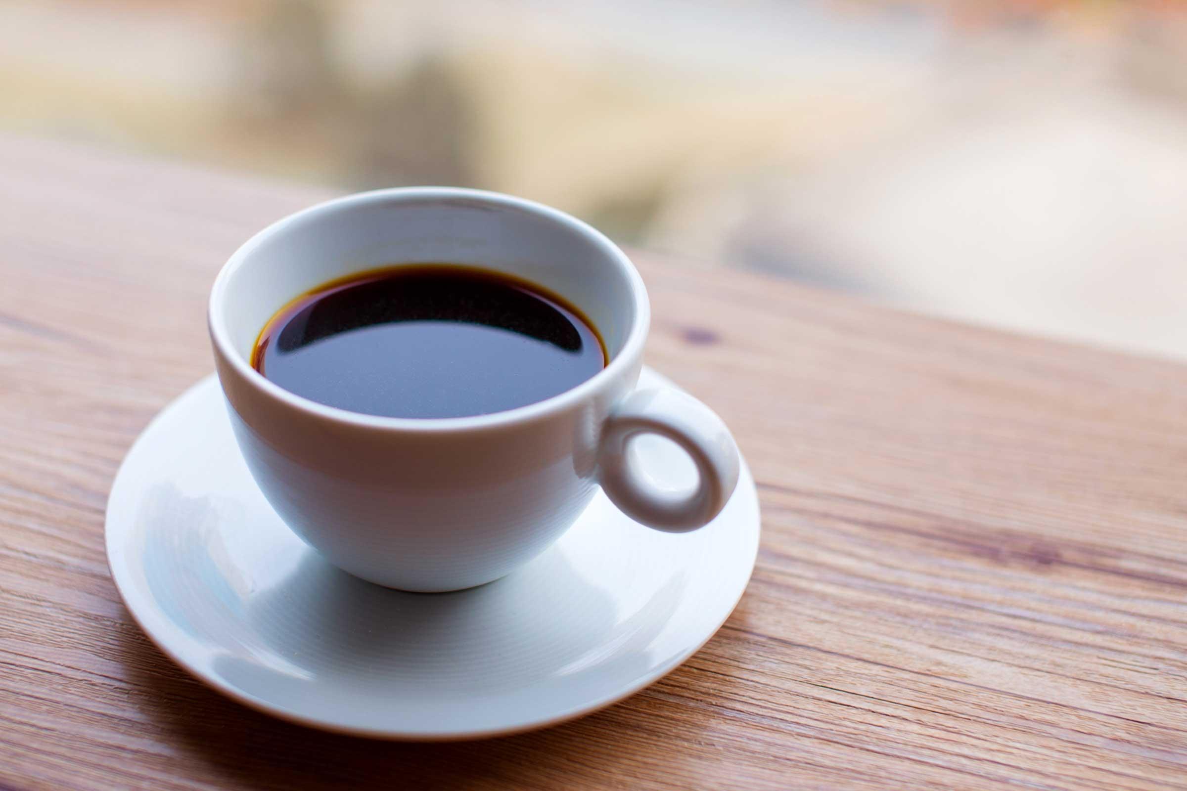 Getting more sleep, drinking coffee may help ease pain