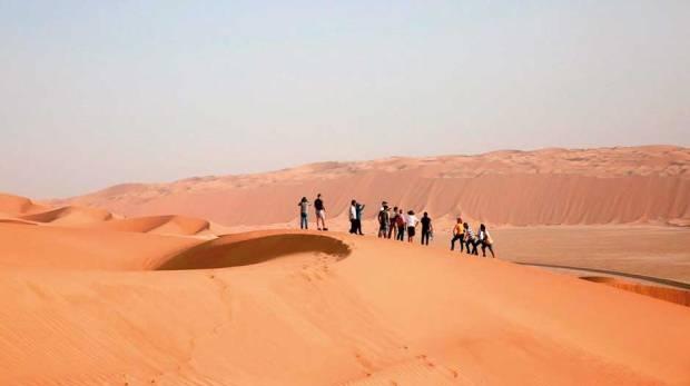 Tiger Zinda Hai  team  burnt, cooked  on Abu Dhabi sands