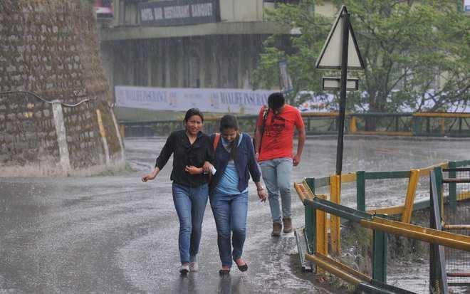 Himachal sees high mercury, rains in store