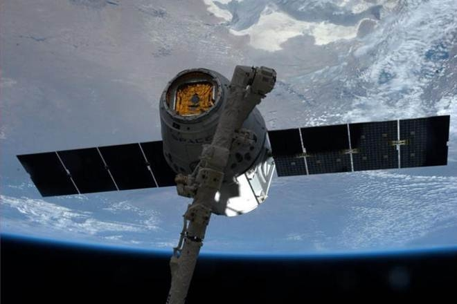 Poor weather halts SpaceX resupply mission to space station