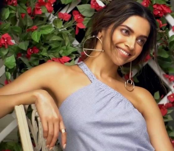 In love Deepika Padukone Missing Ranveer Singh!