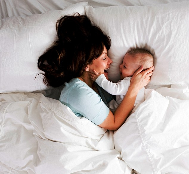 Mothers! Why room-sharing after 4 months is bad for your baby