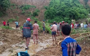 Landslide deaths in Bangladesh climb to 163 (Lead)