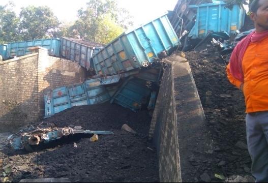 Goods train derails near Agra, rail traffic hit