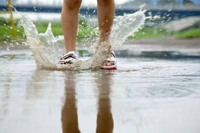How to take care of your feet during monsoon?
