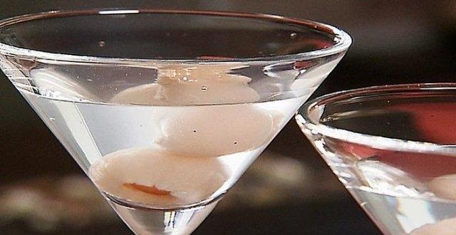 White Cranberry Lychee Martini