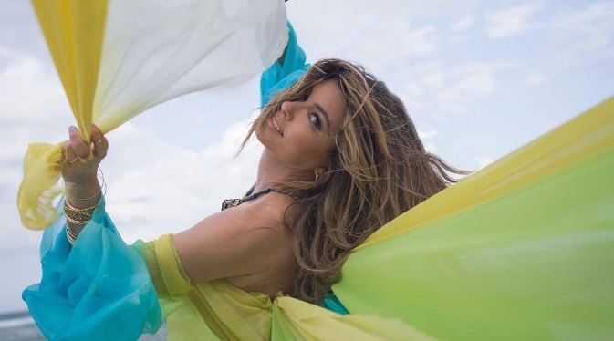 Second Single she released today and the Song is as Stunning as the Singer Shania Twain!