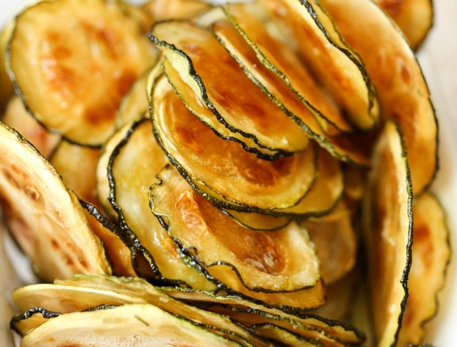 Easy oven baked Zucchini Chips