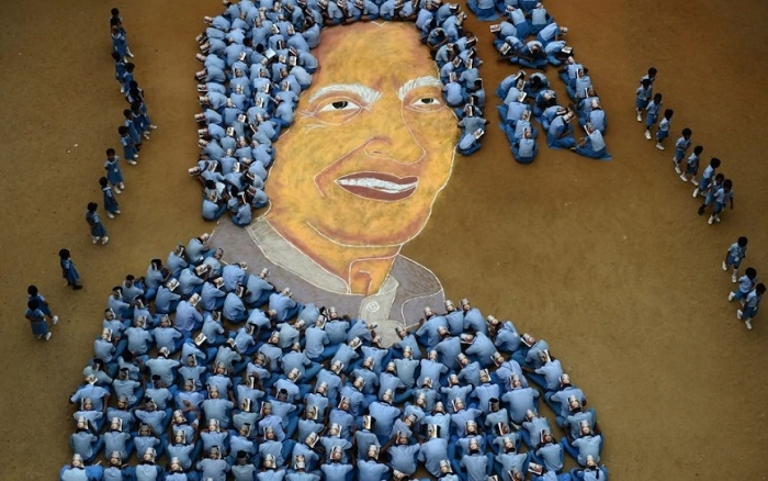 "Magnificent Picture of former President A.P.J. Abdul Kalam made by school students on ""86th birth anniversary "" in Chennai"