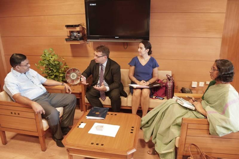 American Consul General Meets Chief Secretary