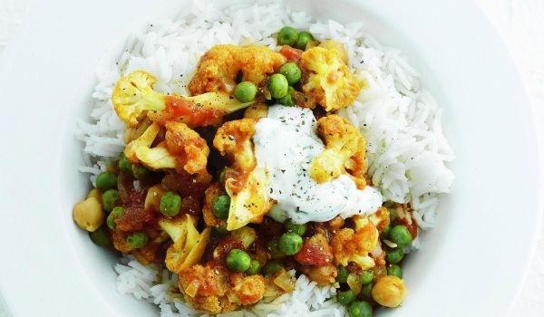 Cauliflower And Chicken Curry