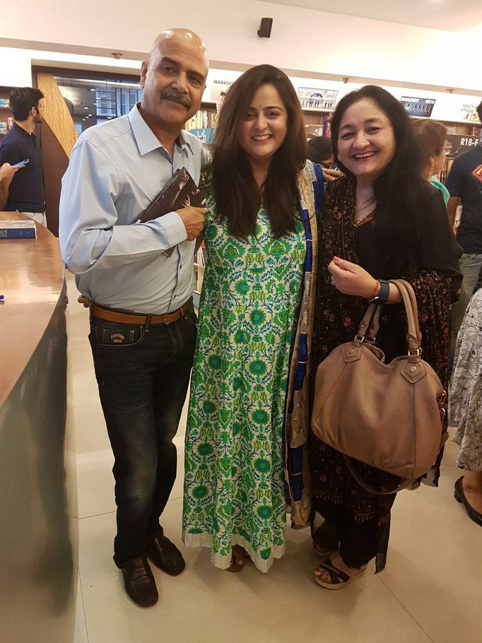 Anushka Sharma's parents with the auther